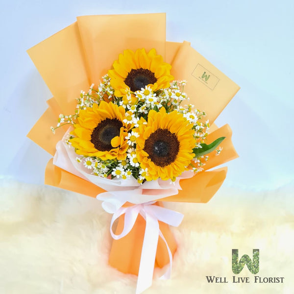 Hand Bouquet Of Sunflower and Daisy Flower