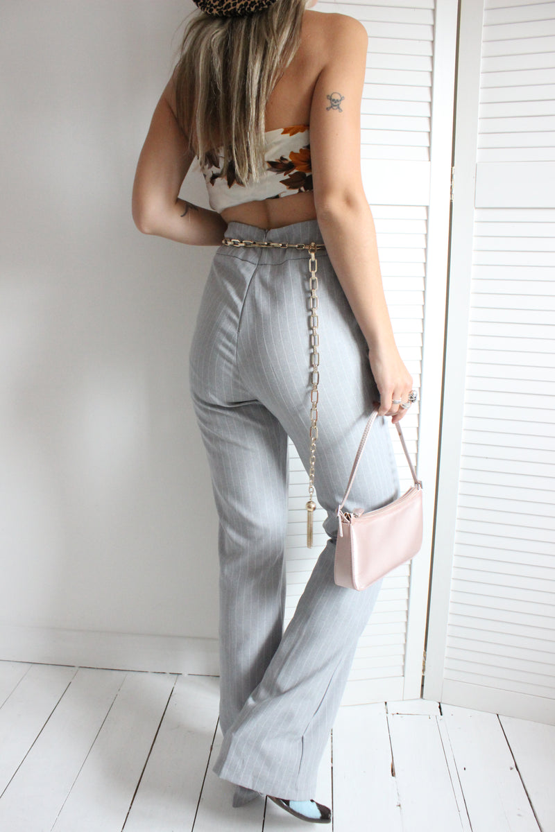 Vintage Y2K Highwaisted Grey Pinstriped Flared Trousers