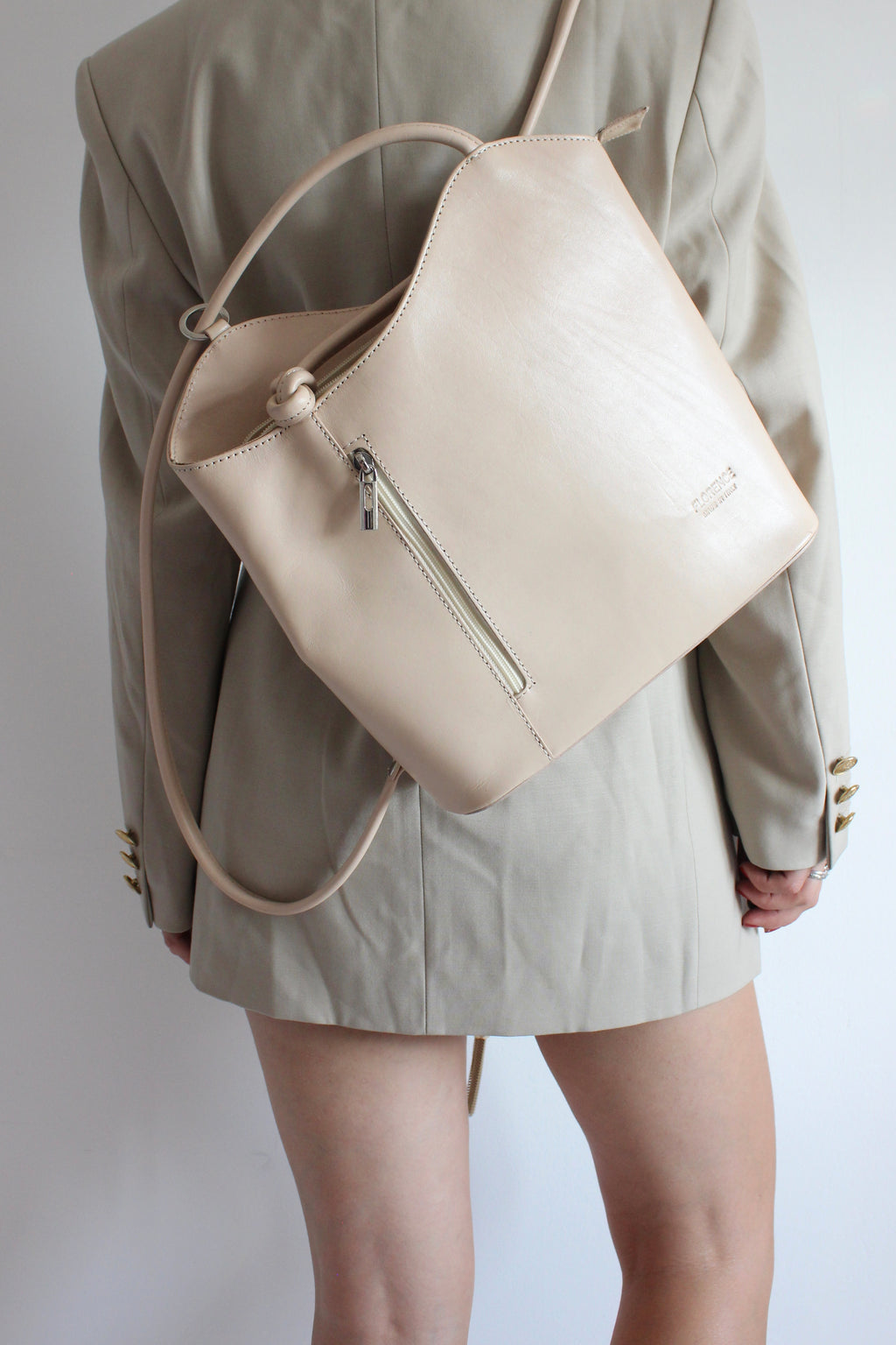 Vintage 90s Nude Cream Real Leather Handbag/Rucksack