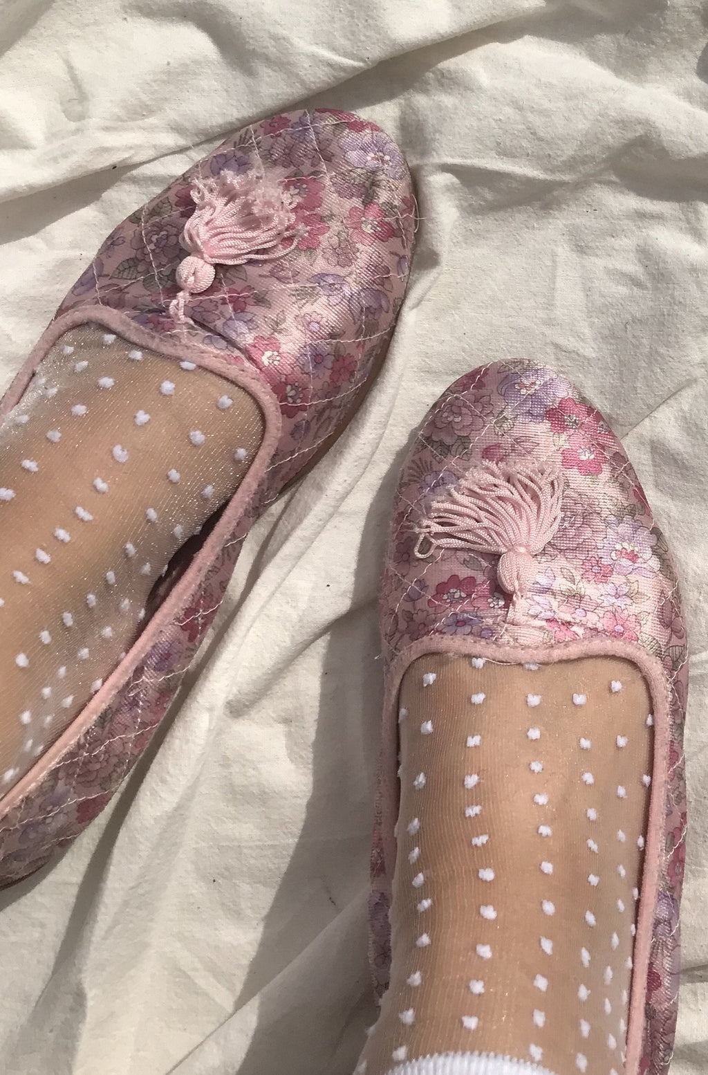 Vintage 1970s Pink Paisley Tassel Loafer Slip On Slippers With Tassels