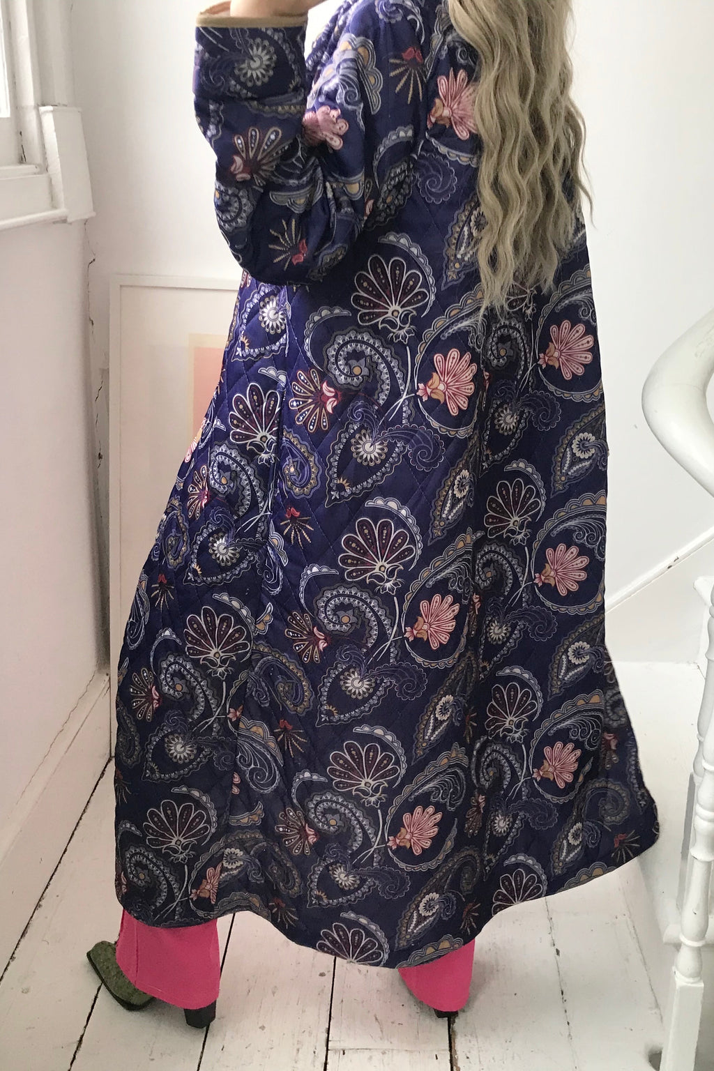 Vintage True 70s Navy Blue Quilted Floral Paisley Dressing Gown