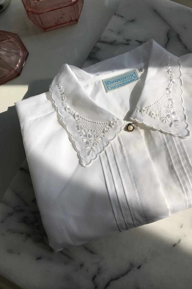 Vintage 80s White Lace Collar Blouse