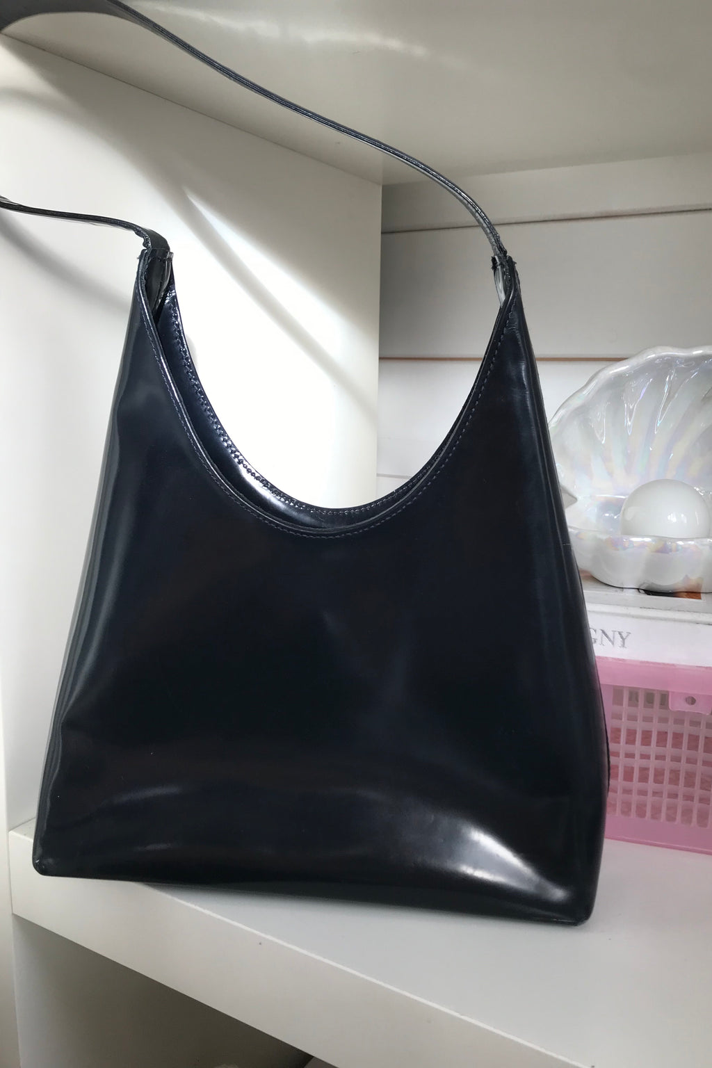 Beautiful vintage 90s black leather handbag by Coccinelle