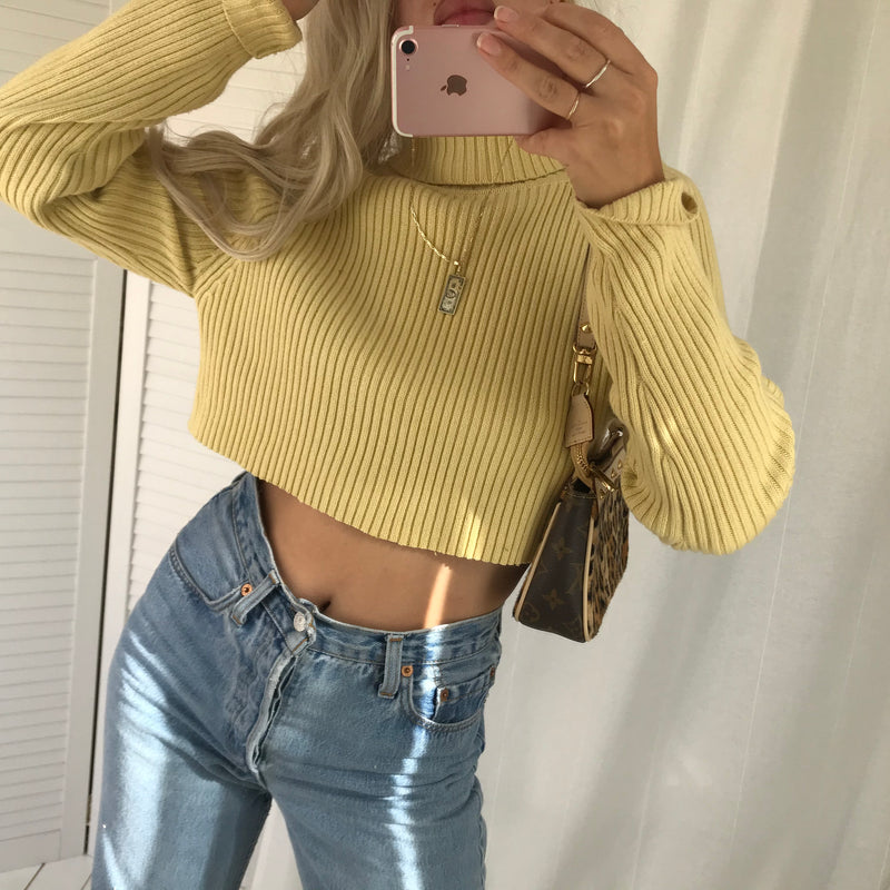 Vintage 90s /Y2K Pale Mustard Ribbed Knitted Turtle Neck Cropped Raw Hem Jumper