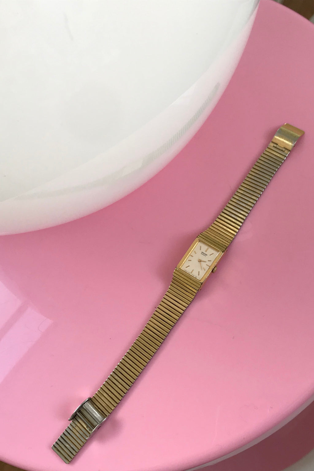 Vintage 1970s Gold Tone Ladies Wrist Watch By Seiko