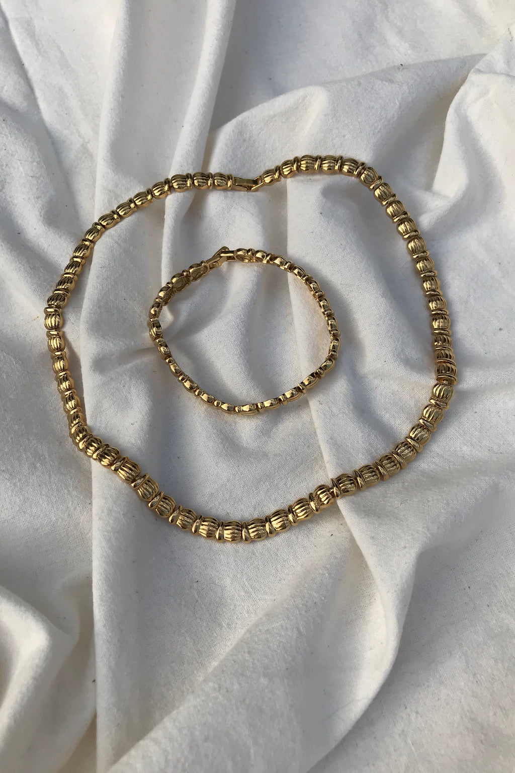 Vintage 90s Gold Tone Chunky Necklace & Bracelet Set