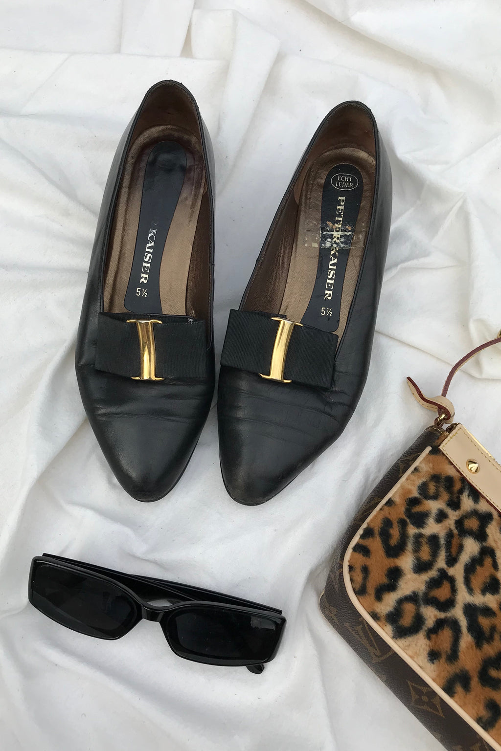 Vintage 70s Black Leather Bow Pumps