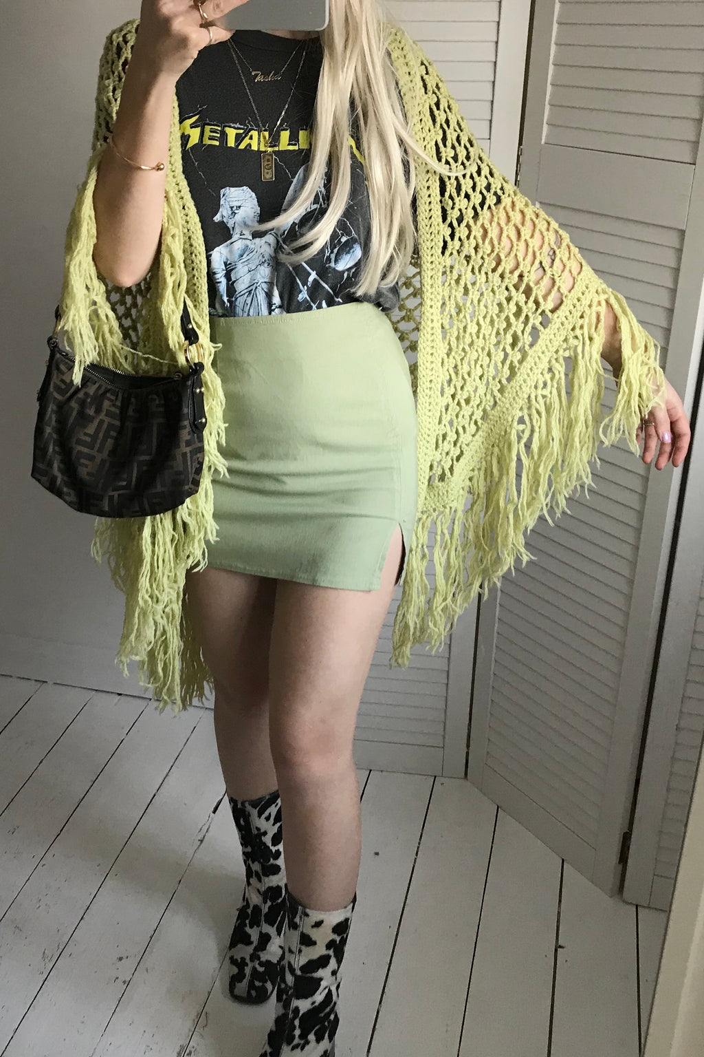 Vintage 70s Pastel Lime Green Hand Crochet Chunky Knit Shawl