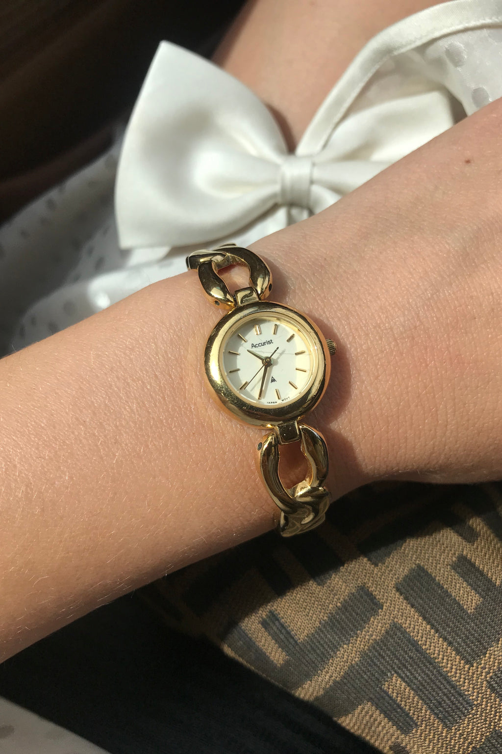 Vintage 80s Gold Tone Ladies Wrist Watch By Accurist
