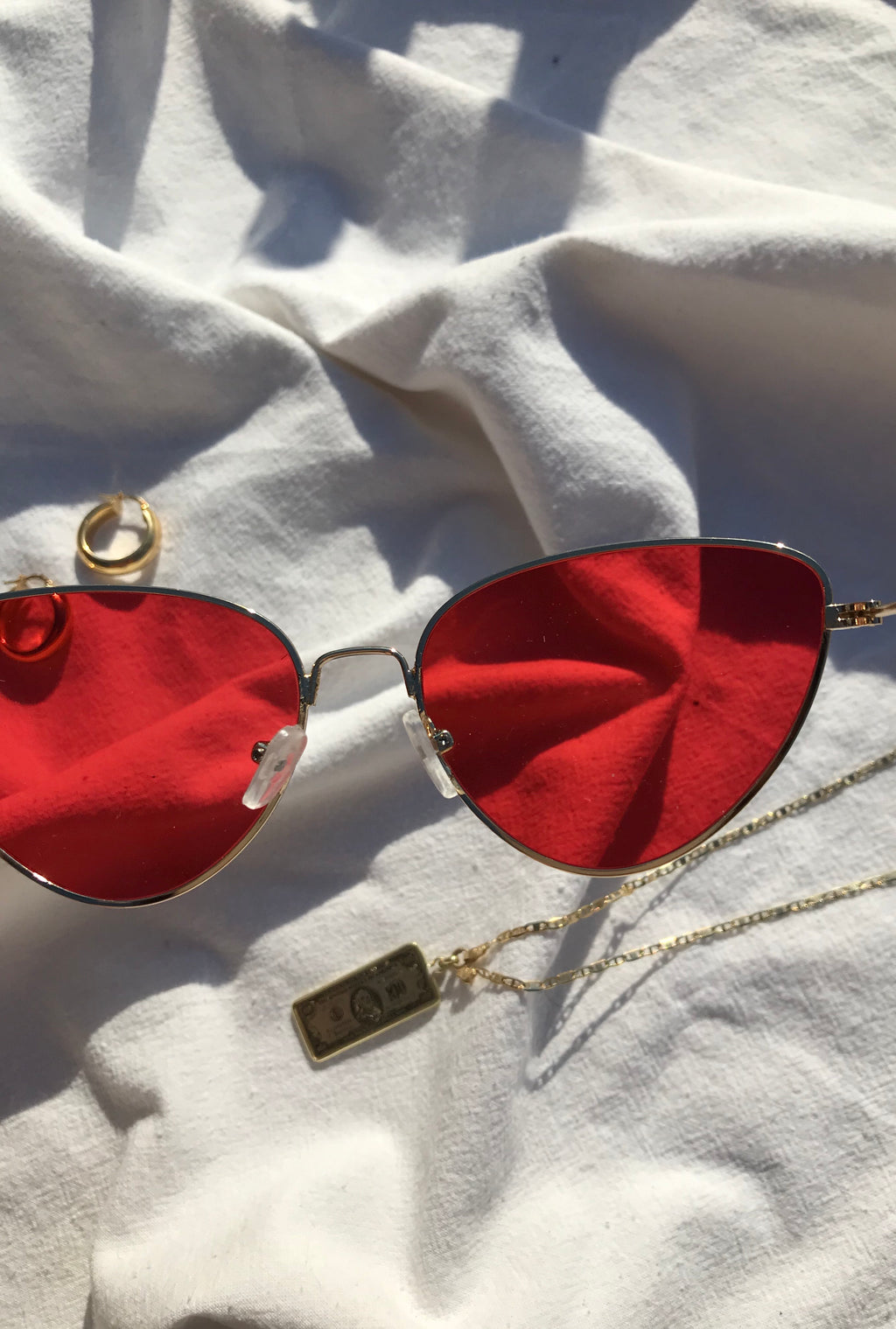 Vintage Retro Y2K Style Red Cat Eye Sunglasses With Metal Frame