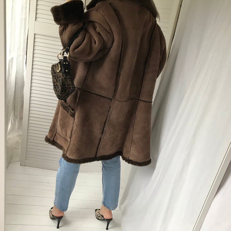 Such a gorgeous Vintage 1980s Oversized 100% Sheepskin Shearling Double Breasted Coat