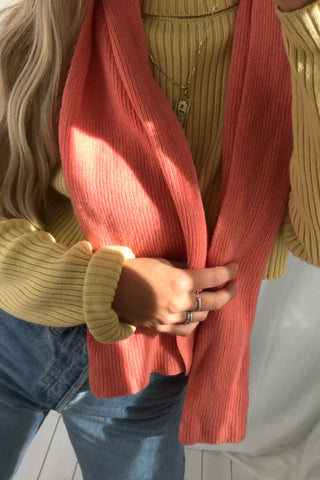 Vintage 70s Nude Tan Ribbed Knitted Turtle Neck Cropped Raw Hem Jumper