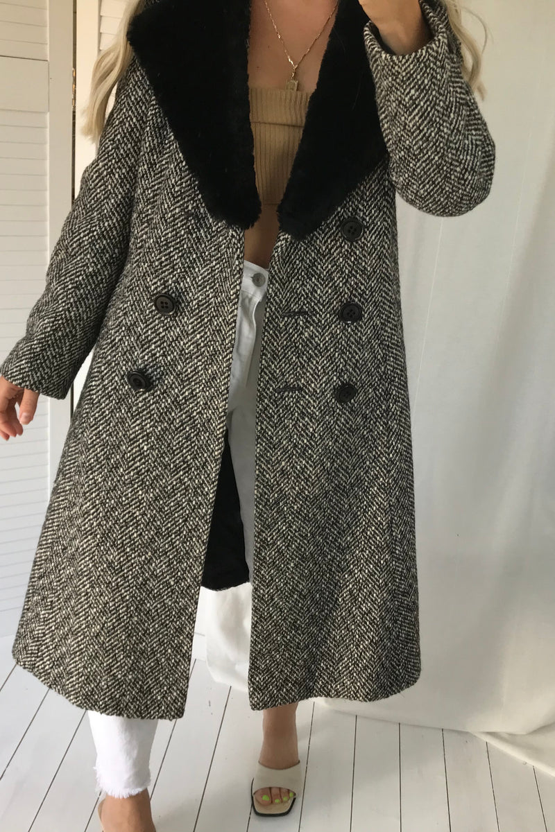 Vintage 1960s Mid Century Grey Herringbone Woven Wool Long Pea Coat Jacket With Faux Fur Collar