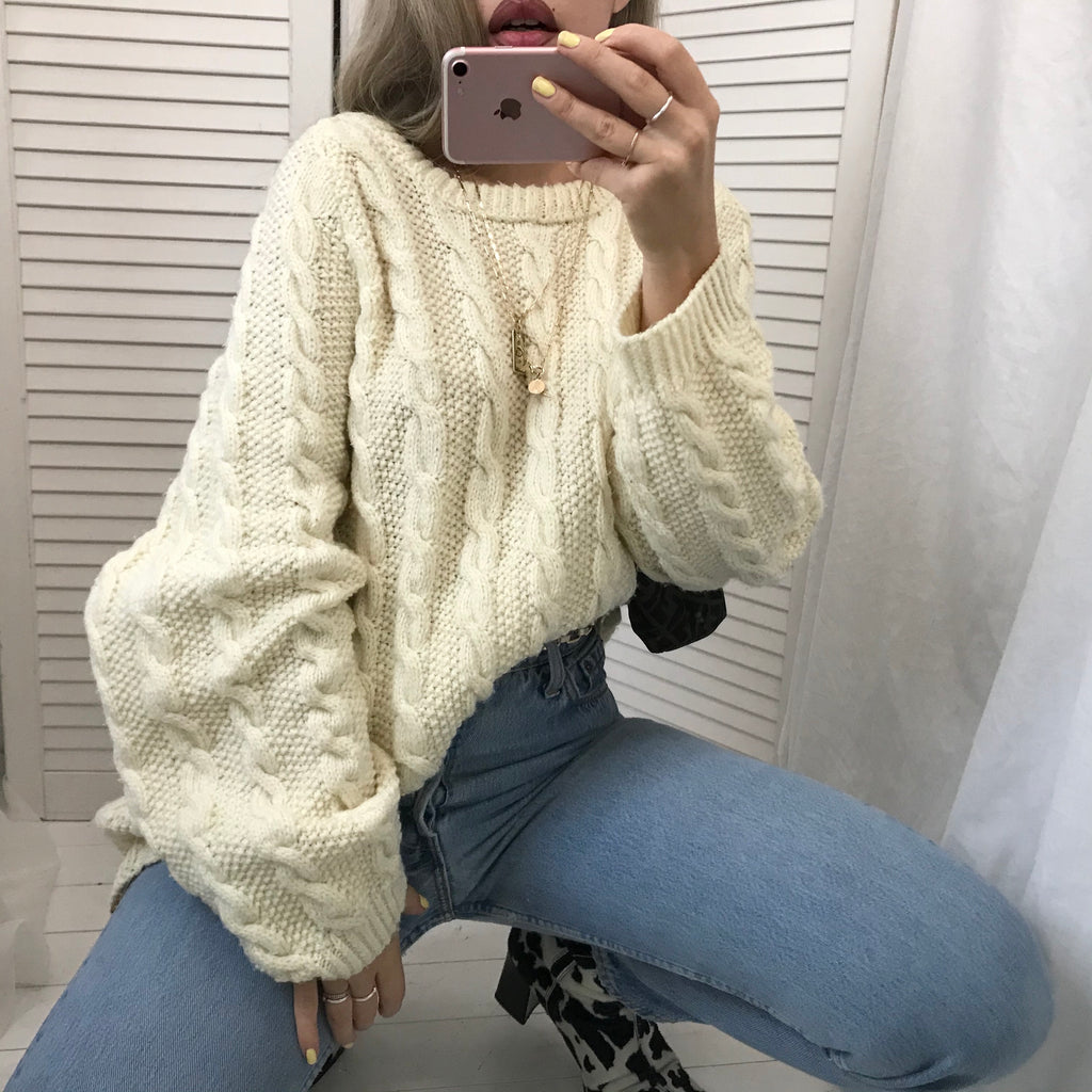 Vintage 80s Cream Wool / Polyester Blend Cable Knit Aran Hand Knitted Oversized Jumper