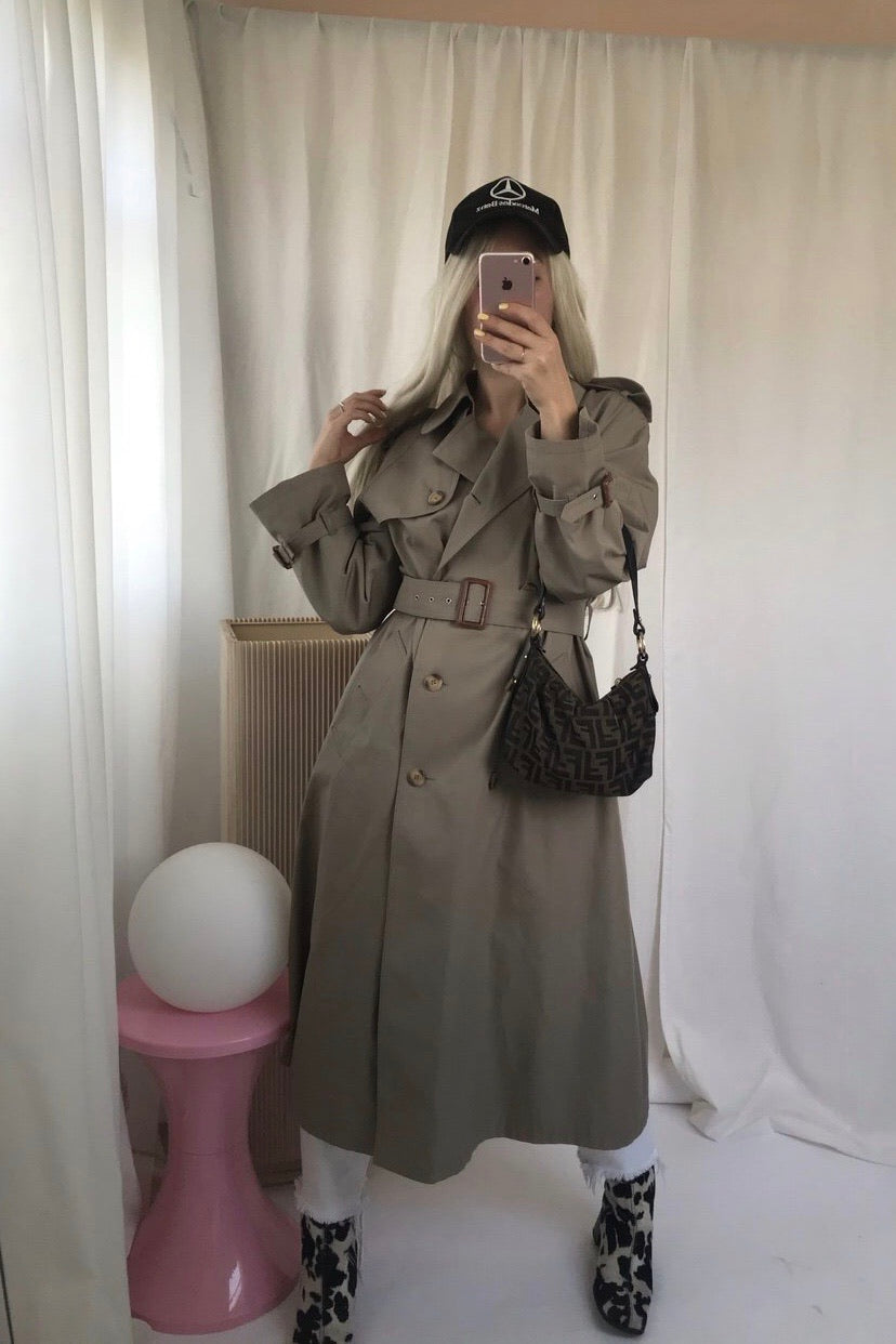 The Perfect Vintage 1970s Trench Mac Jacket In Stone