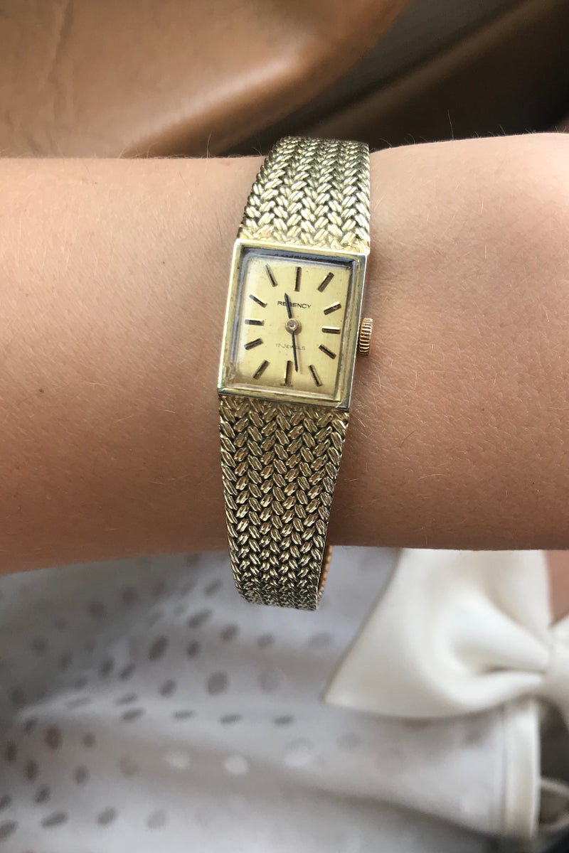Vintage 70s Gold Plated Ladies 17 Jewel Wind Up Wrist Watch By Regency