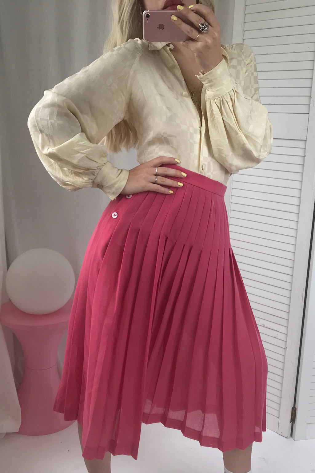 Vintage 1970s Pink Highwaisted Wool Blend Midi Pleated Skirt By Jaeger