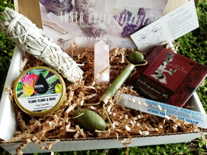 Inner Outer Balance MARCH BOX (SOLD OUT)