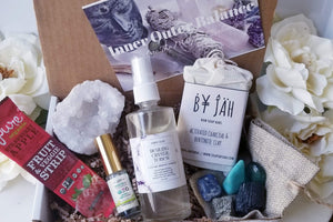 Inner Outer Balance JULY BOX