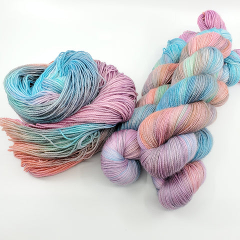 Uranus - Into Space - Pre-Order (5 bases available, Sock, Sport, DK)