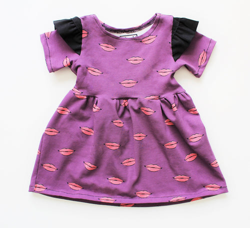 kisses dress