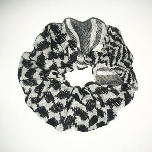 black keffiyeh scrunchie