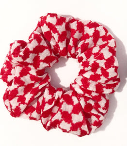 red keffiyeh scrunchie