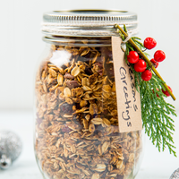 Mason Jar Gifts: Christmas Granola