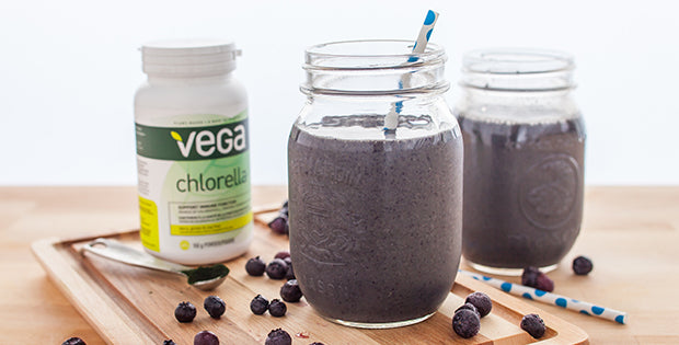 Supercharged Blueberry Chlorella Smoothie