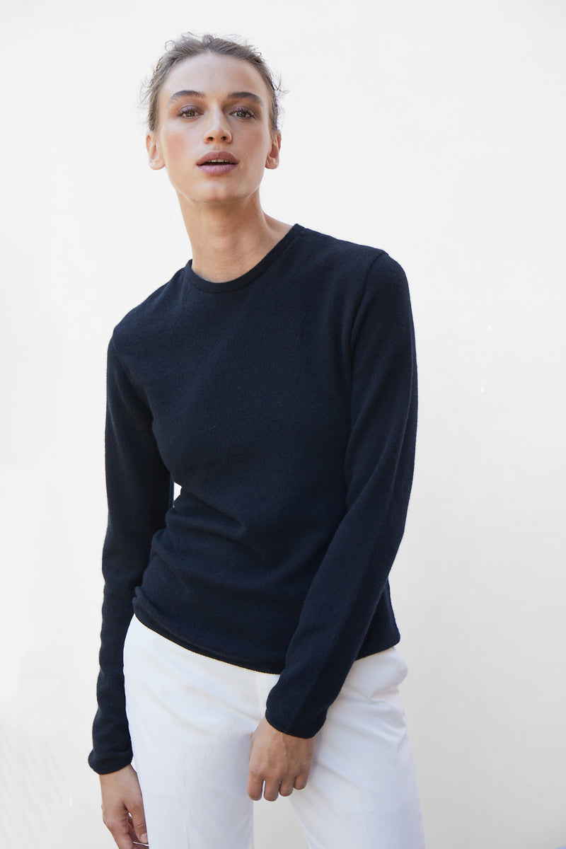 Built in bra luxury crew neck sweater