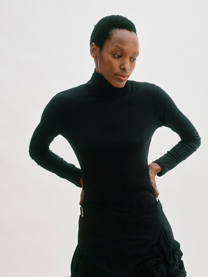 Built in bra luxury top t shirt turtleneck top