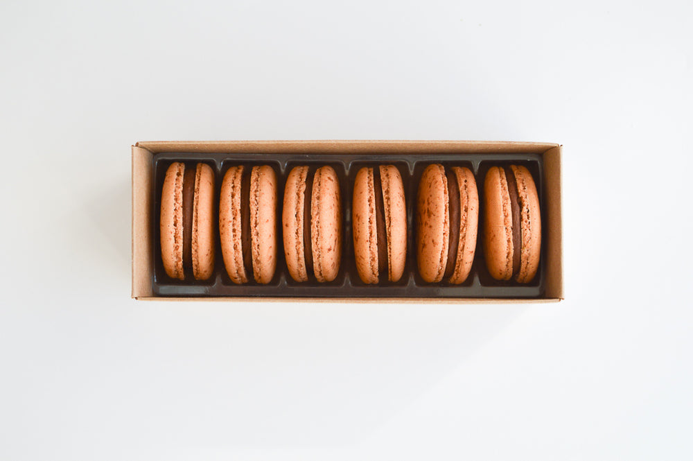 Dark Chocolate - 6 Macarons - Organic