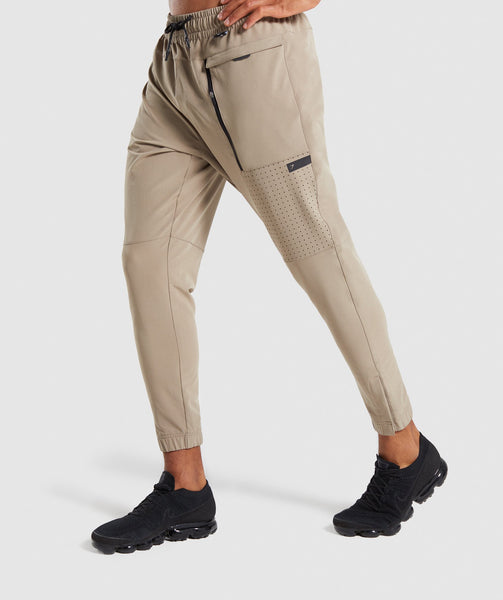 Gymshark Cargo Tech Bottoms - Driftwood Brown 2