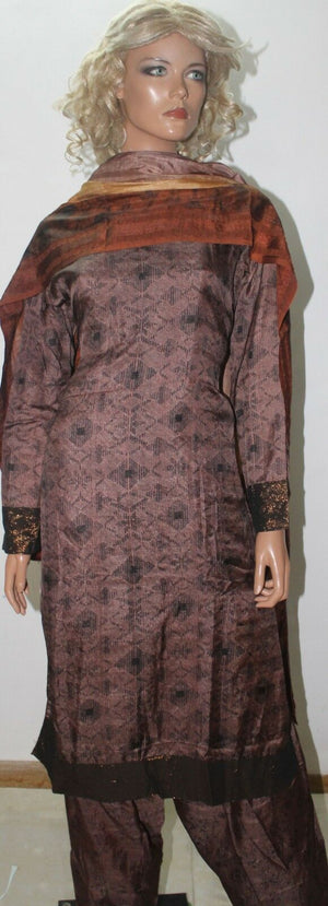 Brown  Salwar Suit Set By Inayah Patel chest size 38