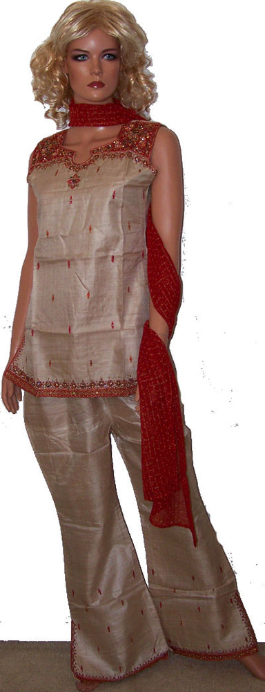 Load image into Gallery viewer, Cream Pant Suit Salwar Kameez  Size