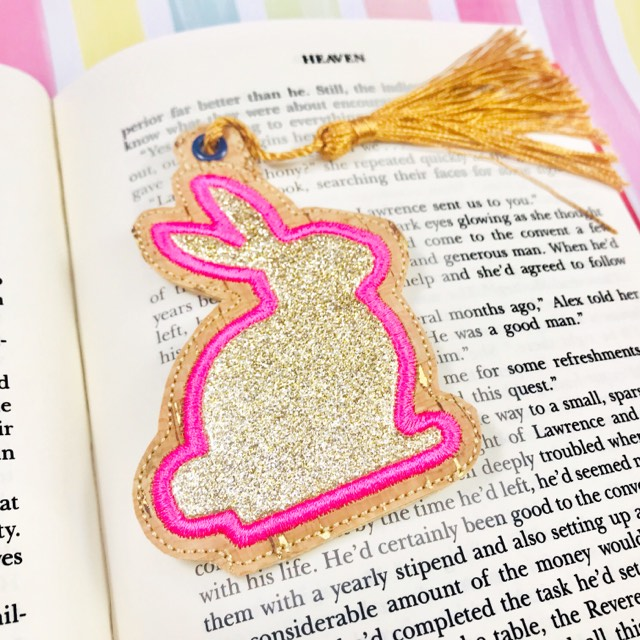 Sitting Bunny Applique Planner Band and Bookmark