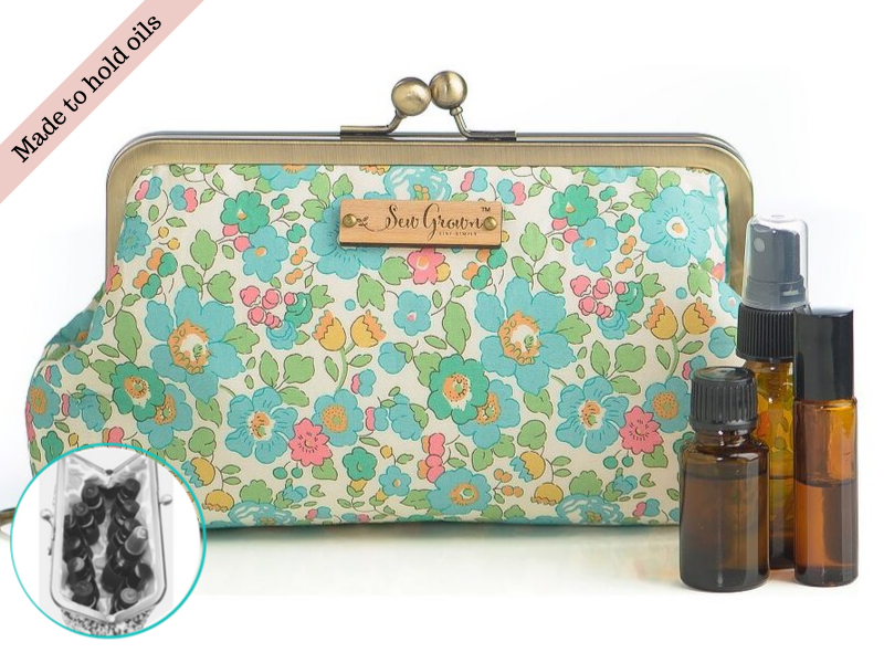 Betsy 12 Bottle Essential Oil Case