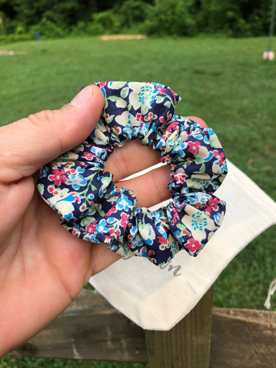 Sew Grown Scrunchie - Francine