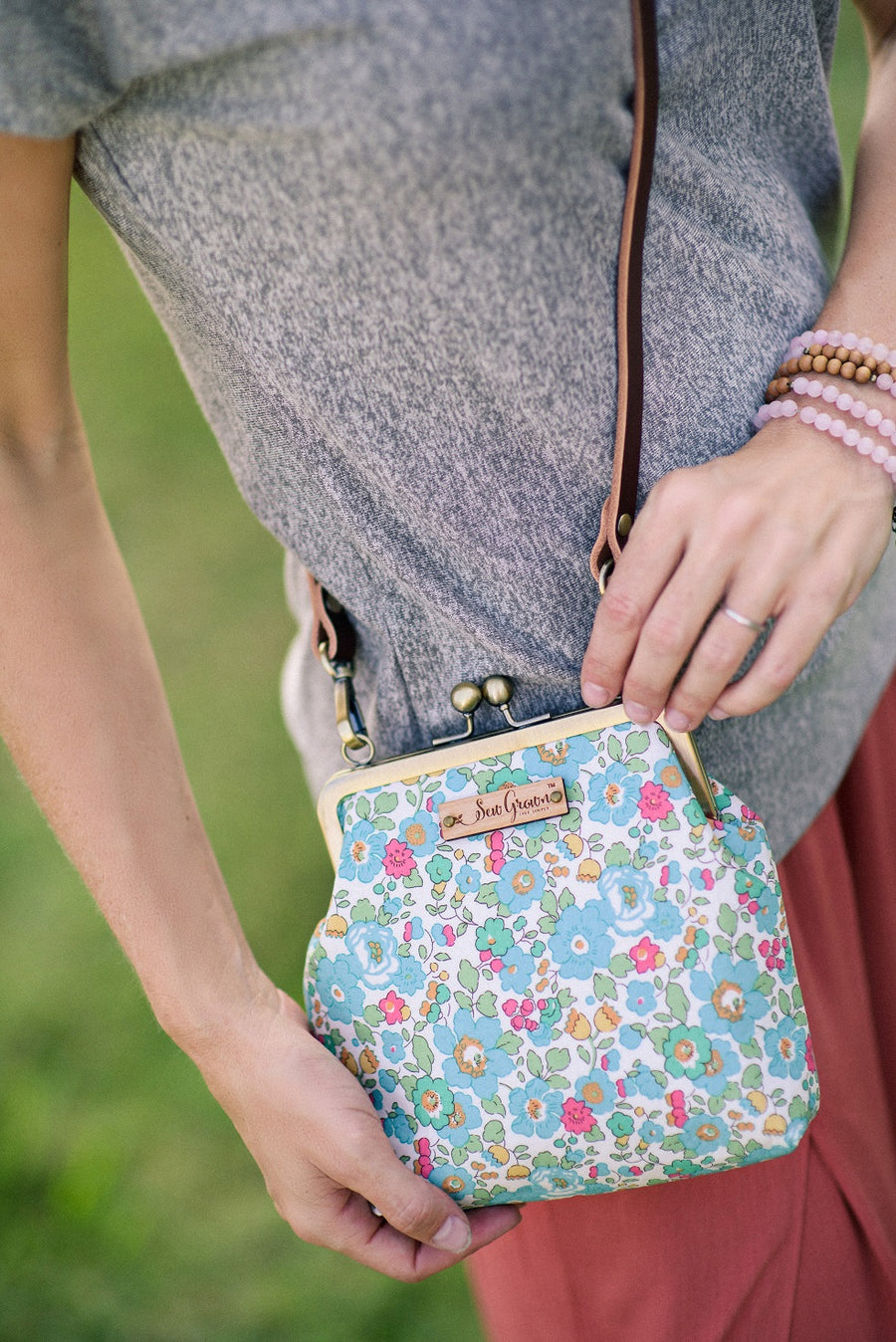 Stella Essential Oil Crossbody
