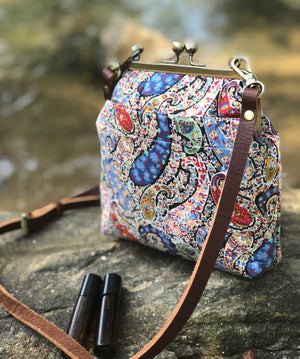 Bourton Essential Oil Crossbody