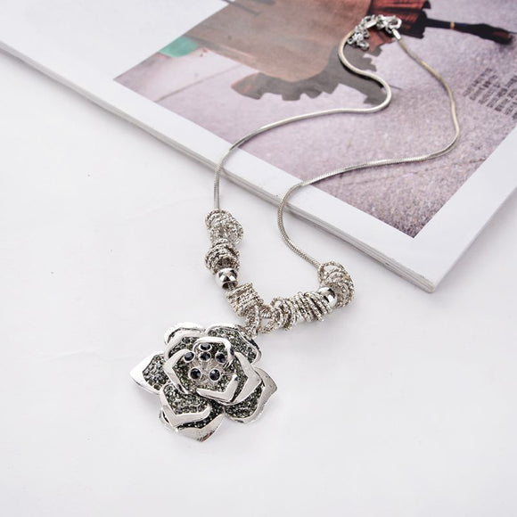 Women Necklaces Exquisite Roses Hollow Chain Sweater Long Chain Necklace