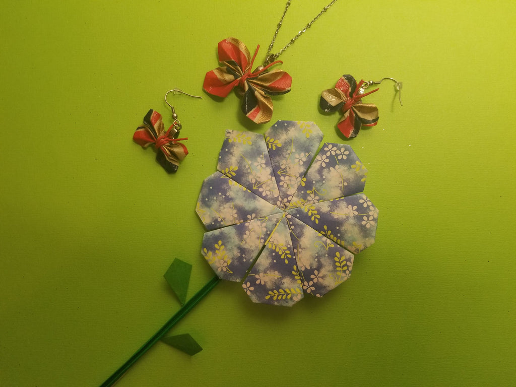 Make your own Butterfly pendant with necklace and earrings kit.  Hypo allergenic and non toxic materials.