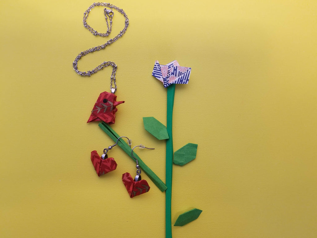 Make your own Origami Cardinal Pendant with Necklace and heart earrings with our environmentally friendly kit for a bird lover !