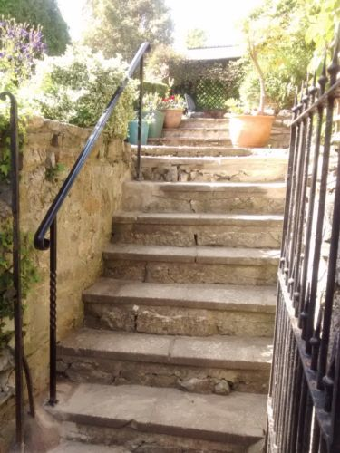 Set Size Wrought Iron Handrail 2 Posts With Footplates