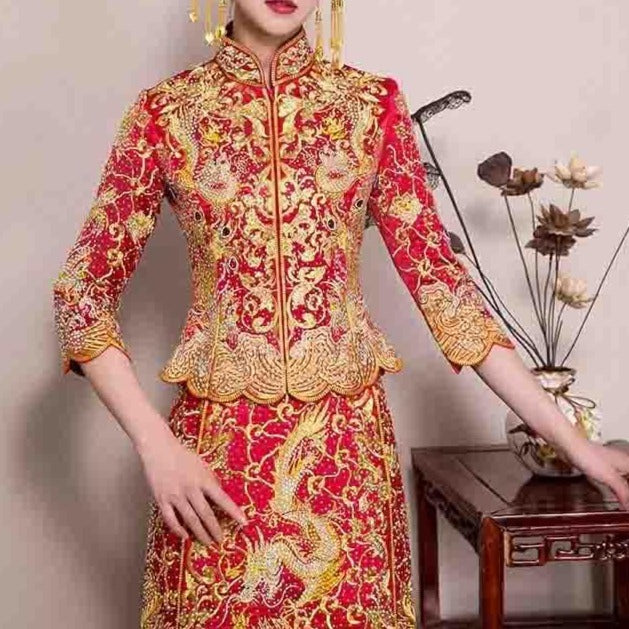 Wedding Kua 龍鳳卦/秀禾服 Qun Kua Cheongsam for Bride with Accordion Design Skirt covered with full Golden Phoenix and Dragon Beads Design