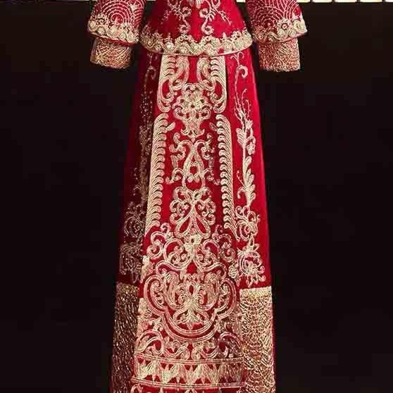 Deep Red Wedding Kua 龍鳳卦/秀禾服 Qun Kua Cheongsam for Bride with Elegant Oriental Pattern Embroidery