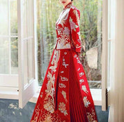 Gold and Silver Beaded Phoenix Embroidery Wedding Kua 龍鳳卦/秀禾服 Qun Kua Cheongsam for Bride in Chinese Red