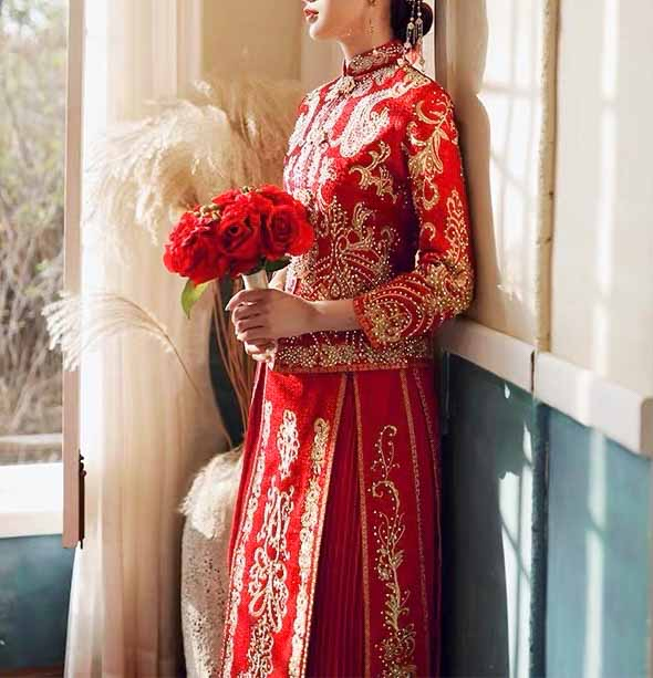 Wedding Kua 龍鳳卦/秀禾服 Qun Kua Cheongsam for Bride with Chinese Oriental Pattern Embroidery