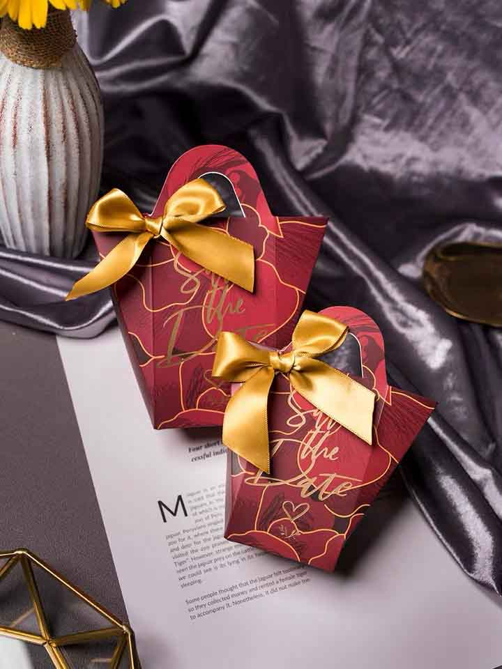 50 PCS Burgundy Guest Favors Wedding Candy Boxes with Unique Print And Ribbon