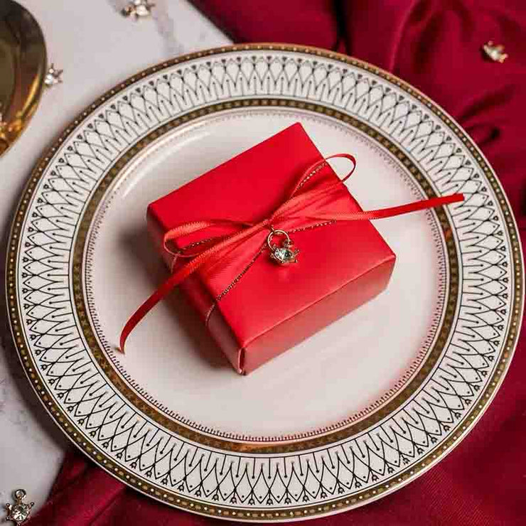 50 PCS Guest Favors Square Red Wedding Candy Boxes with Pearl or Star Pendant